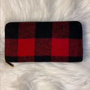 Charming Charlie 🖤 Buffalo Check Flannel Wallet
